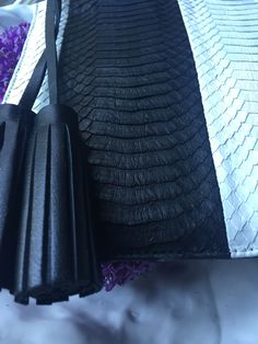 Coming up in a few months! #sneakpeek #Islyhandbags #new #collection #bnw #madeinusa #stripes #handbag #clutch #fashion #accesories #fashion #style #bags