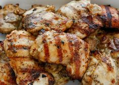 Juicy, incredibly flavorful grilled chicken is easier than you might think; especially when it starts with a marinade loaded with flavor from beer, garlic, and a sprinkling of herbs. This simple Beer and Garlic Chicken Chicken Marinade Recipes, Chicken Marinades, Marinated Chicken, Beer Chicken, Pre Cooked Chicken, Garlic Chicken, Healthy Grilling, Grilling Recipes, Cooking Recipes