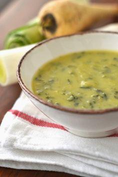 La soupe c'est bon mais c'est encore meilleur quand on varie les plaisirs. Ambre et moi avons testé ce joli potage original et de saiso...