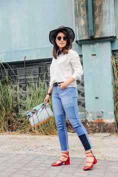 jeans denim patchwork zara with palm spring clutch samudra red heels streetstyle