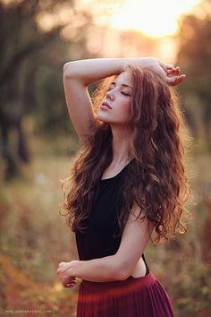 37 Best Portrait Photography Poses You Looks So Beautiful - Elva Photography