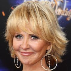 """Lulu is a Scottish-born singer who performed """"To Sir With Love"""" and appeared in the classic film of the same name alongside Sidney Poitier. Lulu Hairstyles, Shaggy Bob Hairstyles, Short Shaggy Haircuts, 2015 Hairstyles, Short Hair With Layers, Layered Hair, Short Hair Cuts, Lulu Singer, Shoulder Length Hair"""