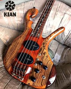 Kian Guitarsさん(@kianguitars)のInstagramアカウント: 「Kian CT tribute.」
