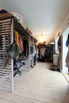 Walk-in closet in the home of Danish artist Per Hillo #closet #dressing_room