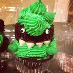 Tyrannosaurus Rex Cupcakes by #amandacupcake