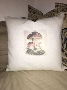 soebagmocht@gmx.at Polster/Kissen mit Pilzmotiv (selbst gemacht, diy) Bed Pillows, Pillow Cases, Cushion, Pillows