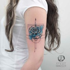 50 Rose Tattoos That Capture Timeless Beauty Gold Tattoo Ink, Blue Ink Tattoos, Sexy Tattoos, Body Art Tattoos, Tattoos For Guys, Sleeve Tattoos, Undercut Tattoos, Mandala Rose Tattoo, Geometric Rose Tattoo