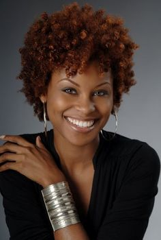 Love the style and color of this afro. #Naturalhair.