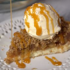 Food and drink Apple cheesecake pie topped with salted caramel and vanilla ice cream. The most perfect fall dessert that's absolutely delicious! Thanksgiving Desserts, Fall Desserts, Just Desserts, Delicious Desserts, Dessert Recipes, Yummy Food, Apple Desserts, Apple Recipes, Sweet Recipes