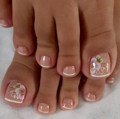 Pretty Toe Nails, Cute Toe Nails, Pretty Toes, Toe Nail Art, Cute Toes, Toenail Art Designs, Toe Nail Designs, Cute Pedicure Designs, Nagellack Design