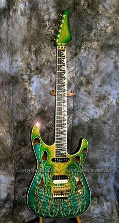 La Green Flame Guitar. Retrouvez des cours de guitare d'un nouveau genre sur MyMusicTeacher.fr