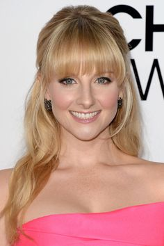 Melissa Rauch at the 2014 People's Choice Awards. I'll take this but in brown, please. Melissa Raunch, Cassie Scerbo, Hair Styles 2014, Amanda Bynes, Heidi Klum, Up Girl, Beautiful Actresses, Hot Actresses, Cute Hairstyles