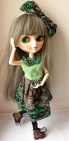 https://flic.kr/p/dVsEQv | Green dress 4 | New dress
