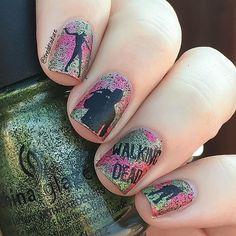 The Walking Dead / Zombie Nail Art https://www.facebook.com/shorthaircutstyles/posts/1760242960932810