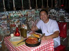 Gino's East Chicago - Delicious Pizza