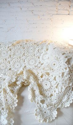 Vintage crocheted blanket  Flower by lacasadecoto on Etsy, €75.00