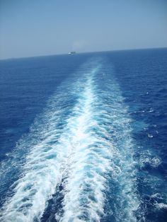 Sailing the ocean on cruise ship.