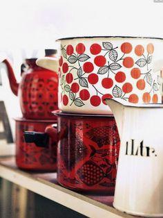 Clay Pizza Oven, Kitchen Collection, Marimekko, Ceramic Painting, Kitchen Items, Mid Century Design, Glass Design, Vintage Kitchen, Decoration
