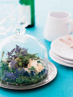 【ELLE】ケーキドームに満開の庭を閉じ込めて|毎日のテーブルに花を!|エル・オンライン