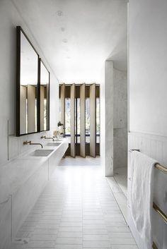 nice Sculptural facade directs daylight into Smart Design Studio& house. Smart Design, Design 24, Modern Design, Design Logo, Minimalist Design, Timeless Design, Design Ideas, Bad Inspiration, Bathroom Inspiration