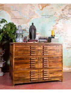 #muebles #muebleindustrial #planero #archivador #mobiliario #antigüedades #industrialdesign #antiqueshop #mueblesdemadera #maderanatural #industrialdecor #muebleauxiliar Woodworking Furniture, Industrial Furniture, Vintage Furniture, Natural Wood, Filing Cabinets, Blue Prints