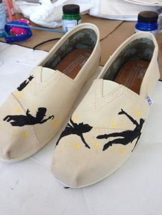 Peter Pan flying Toms