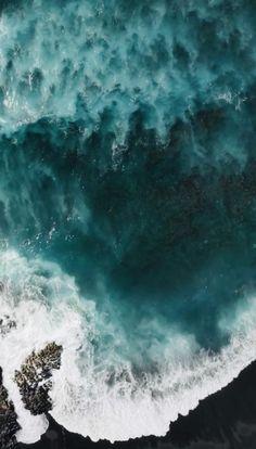 Iphone Wallpaper Ocean, Waves Wallpaper, Phone Wallpaper Images, Beach Wallpaper, Summer Wallpaper, Scenery Wallpaper, Aesthetic Photography Nature, Ocean Photography, Photography Tips