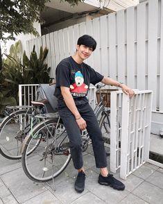 "50.6 mil curtidas, 316 comentários - m (@mond_tanutchai) no Instagram: ""🚲"" Thai Drama, Asian Actors, Boyfriend Material, Man Crush, Asian Men, Hot Boys, Pretty Boys, Actors & Actresses, Husband"
