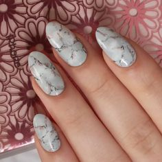 Grey & Rose Gold Marble Nails - Tutorial on YouTube.com/Lacquerstyle #nails #nailartist #nailart #kgrdnr #rosegold #marblenails #marble