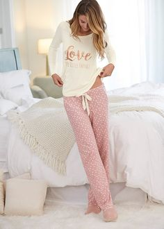 Cute Pajama Sets, Pajama Day, Cute Pjs, Pajama Pants, Lazy Day Outfits, Cute Comfy Outfits, Cool Outfits, Fashion Outfits, Cute Sleepwear