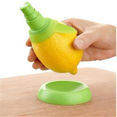 Citrus Sprayer spikes into citrus fruits and instantly extracts fresh juice to squirt onto food and drinks. Can quickly spritz up a salad or a gin and tonic