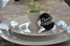 Easter place settings...plastic eggs, chalkboard paint, ribbon...