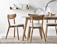 Holger matgrupp i lackerad massiv ek med skiva i vitlack från Mio. Dining Room Design, Dining Area, Dining Chairs, Dinner Room, Dream Furniture, Solid Wood Dining Table, Dining Room Inspiration, Mid Century Decor, Chair Design