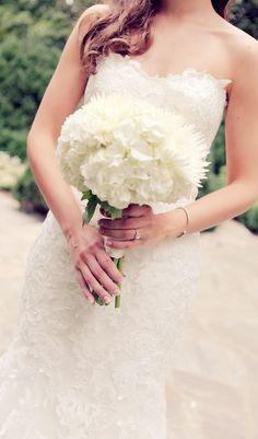 Wedding dress idea; Featured Photographer: Melissa G Photography