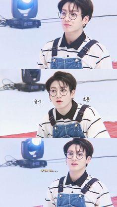 V and Jungkook reenacting Peek-a-boo of Red Velvet, best genderbend ever Jung Kook, Jung Hyun, Jungkook Cute, Jungkook Oppa, Bts Bangtan Boy, Jungkook Glasses, Jungkook 2017, Busan, Jeon Jeongguk