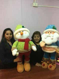 Marta Cornelia Solis Gallardo's media statistics and analytics Christmas Angels, Christmas Snowman, Christmas Crafts, Christmas Decorations, Hanging Ornaments, Xmas Ornaments, Globe Ornament, Christmas Sewing, Holidays And Events