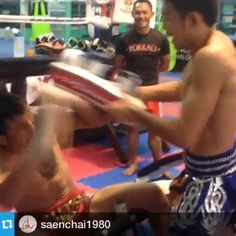 Muay Thai | Muay Boran | Thai Kickboxing. Muay Thai Movement - Tumblr Watch til the end. :). Saenchai in the background smiles