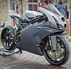 Ducati Desmo, Ducati Motorbike, Ducati 749, Best Motorbike, Moto Ducati, Ducati Hypermotard, Motorbike Design, Motorcycle Dirt Bike, Futuristic Motorcycle