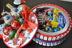 Chocolate Bouquet Diy Friends Ideas For 2019 Diy Bouquet, Candy Bouquet, Christmas Candy, Diy Christmas Gifts, Chocolate Bouquet Diy, Bar A Bonbon, Money Cake, Candy Cakes, Diy Gifts For Boyfriend
