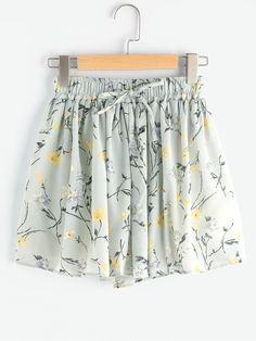 Shop Ditsy Print Pleated Shorts With Drawstring Waist online. SheIn offers Ditsy Print Pleated Shorts With Drawstring Waist & more to fit your fashionable needs. Look Fashion, Teen Fashion, Fashion Design, Cute Summer Outfits, Casual Outfits, Penelope, Pleated Shorts, Mode Style, Beautiful Outfits