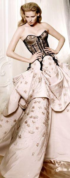 Dior F/W 2009 Haute Couture   photo Mario Testino for Vogue UK ... ... a homage to Charles James' 1953 Four Leaf Clover dress?
