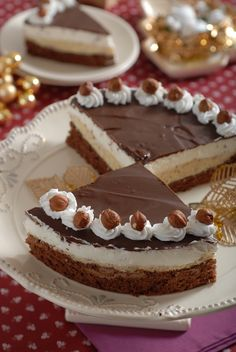 FOTOpostup: Jadranská torta s orieškovým krémom a šľahačkou Czech Recipes, Ethnic Recipes, Apple Dessert Recipes, Mini Cheesecakes, Eclairs, Pavlova, Tiramisu, Food And Drink, Cooking Recipes