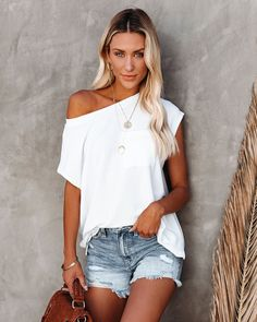 Off The Shoulder Tee, Off Shoulder Blouse, Crop Top Designs, Distressed Denim Shorts, V Neck Blouse, Summer Outfits, Short Outfits, My Style, Tees