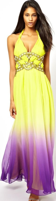 What to Wear to a Wedding - http://www.boomerinas.com/2014/04/19/what-to-wear-to-a-wedding-9-tips-when-theres-no-dress-code/
