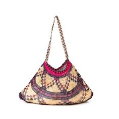 "481 Likes, 15 Comments - Bilum & Bilas (@bilumandbilas) on Instagram: ""'Sigan' bilum handmade by PNG female artisans. One of many beautiful designs originating from the…"""