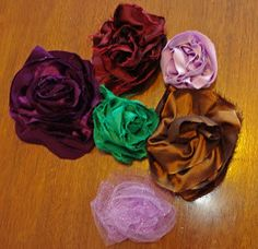 SquigglyTwigs Designs: Tuesday's Tute: Bias Fabric Flowers