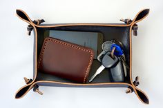 Headlands Handmade••Leather Valet