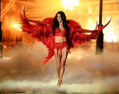 Desfile Victorias Secret 2013 - Adriana Lima