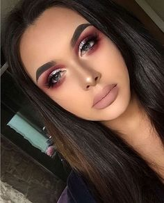Metallic cranberry Eyeshadow look