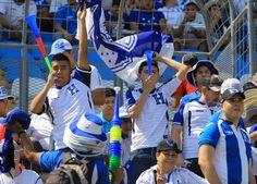 San Pedro Sula, Honduras.-La selección de Honduras está obligada a ganar este martes a la deMéxico para equilibrar en la eliminatoria de la Concacaf rumbo al Mundial de Rusia 2018 un presupuesto de puntos que se vio afectado al perder el viernes (1-0) en Vancouver frente a Canadá en su debut. México, por contra, llega…